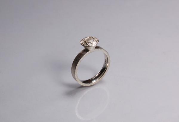 Verlobungsring aus Silber mit Brillant