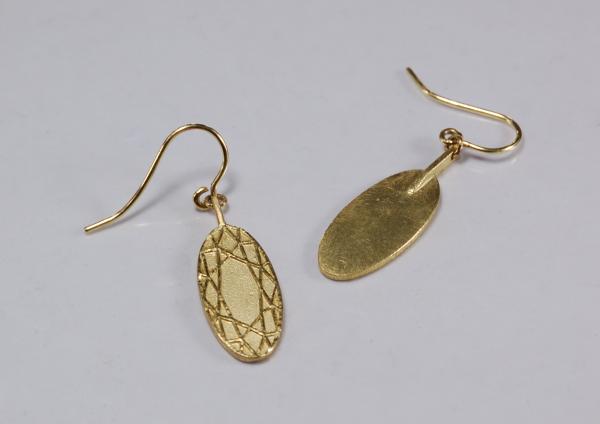 elegante ovale Ohrhänger, flach und aus 750 Gold