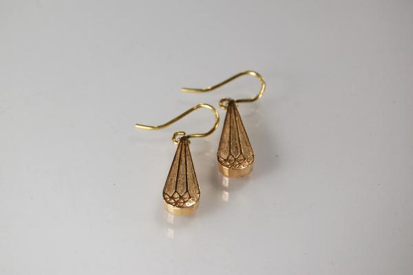 tropfenförmige Ohrhänger aus Roségold