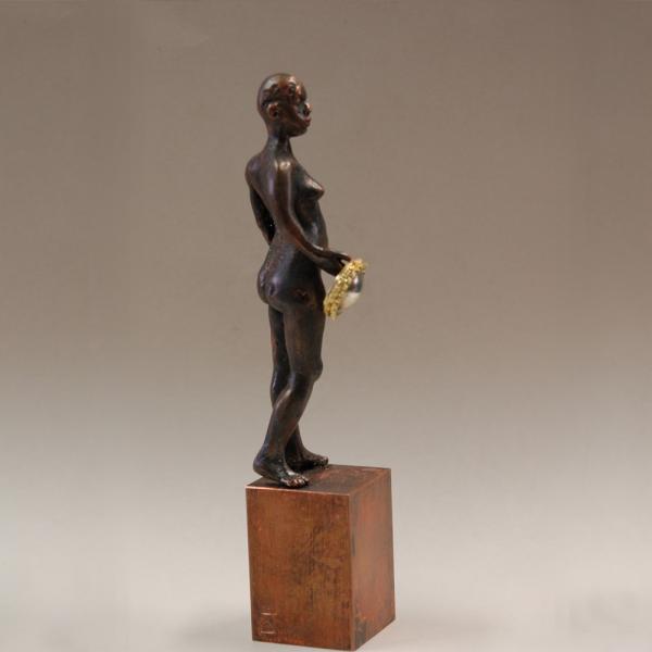 königin aktskulptur aus bronze