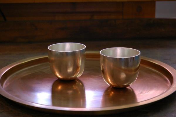 Becher aus Silber, edele Trinkgefäße für Whisky
